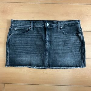 Levi black denim skirt